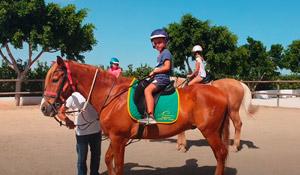 Kinderfest am Ponyhof feiern